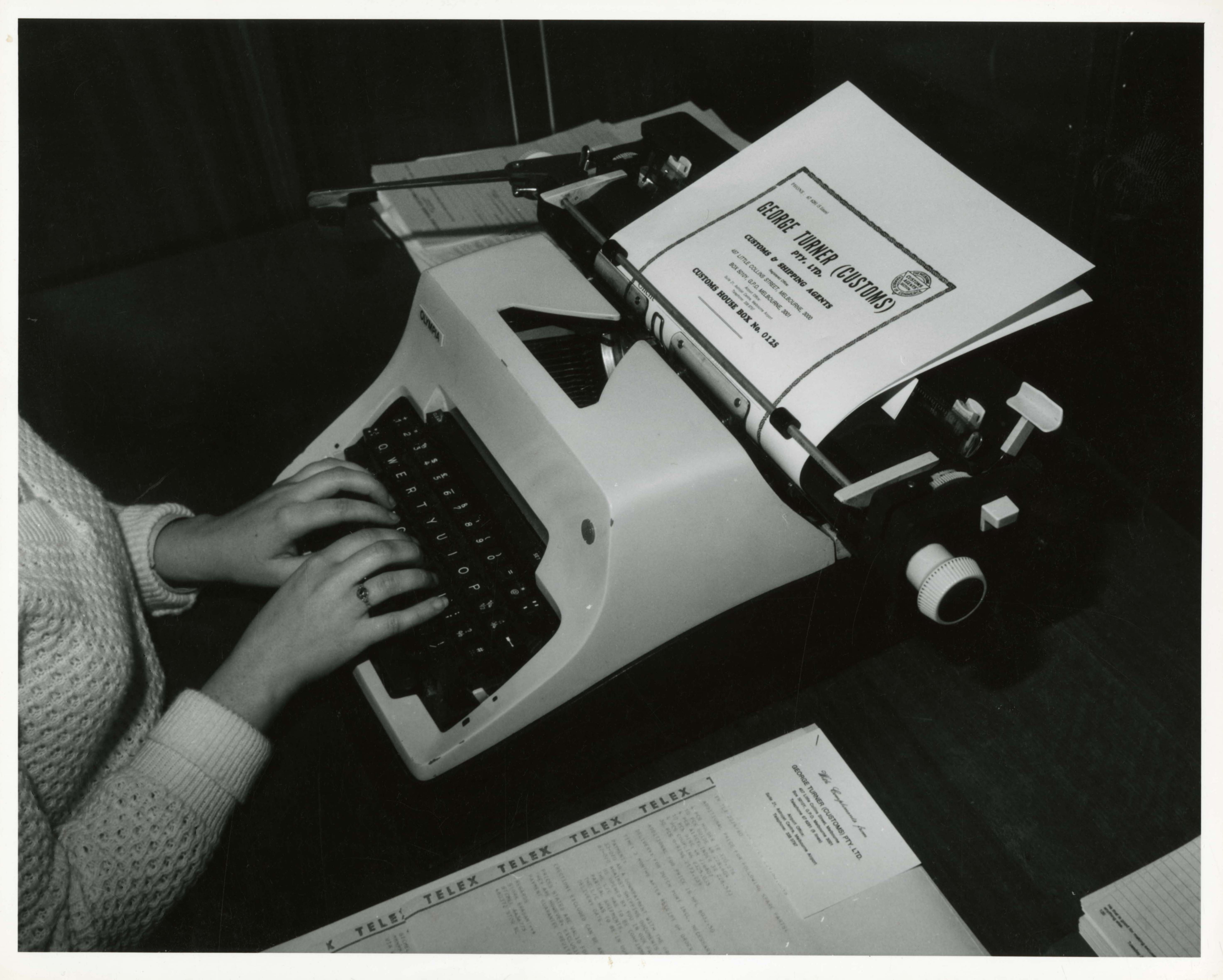 black and white photo of a typewriter