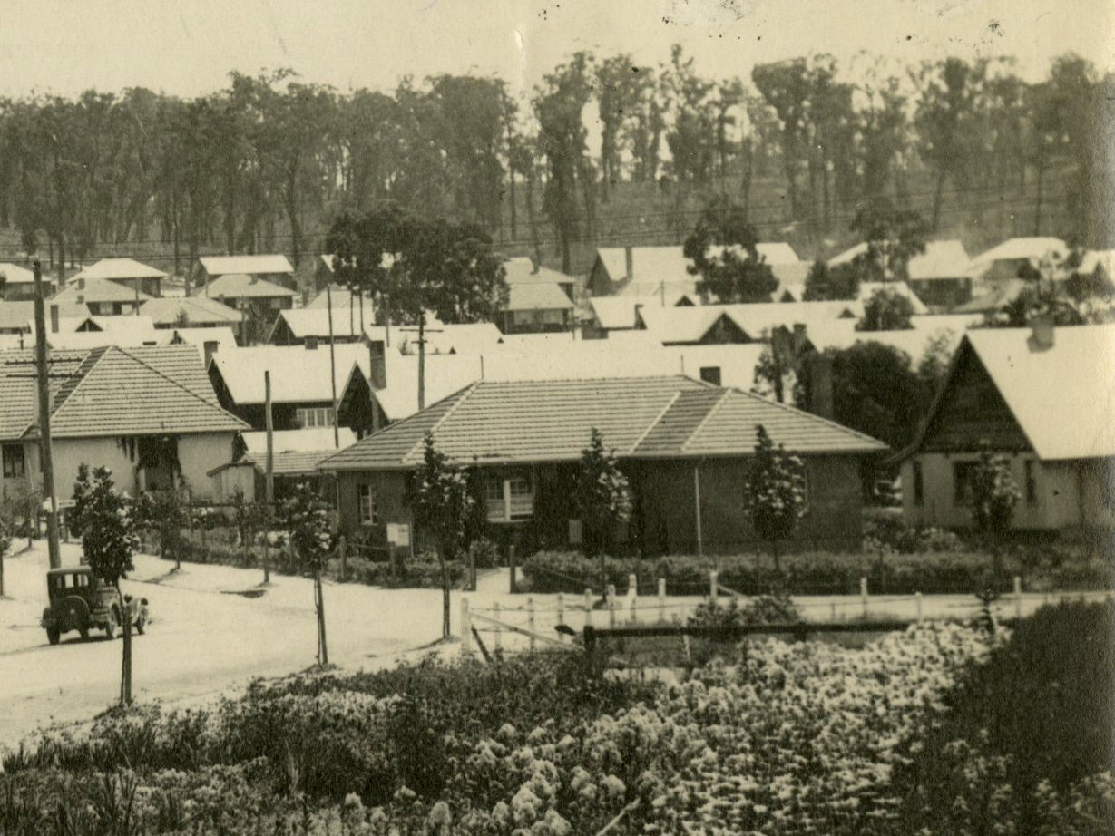 Old photo of Yallourn town