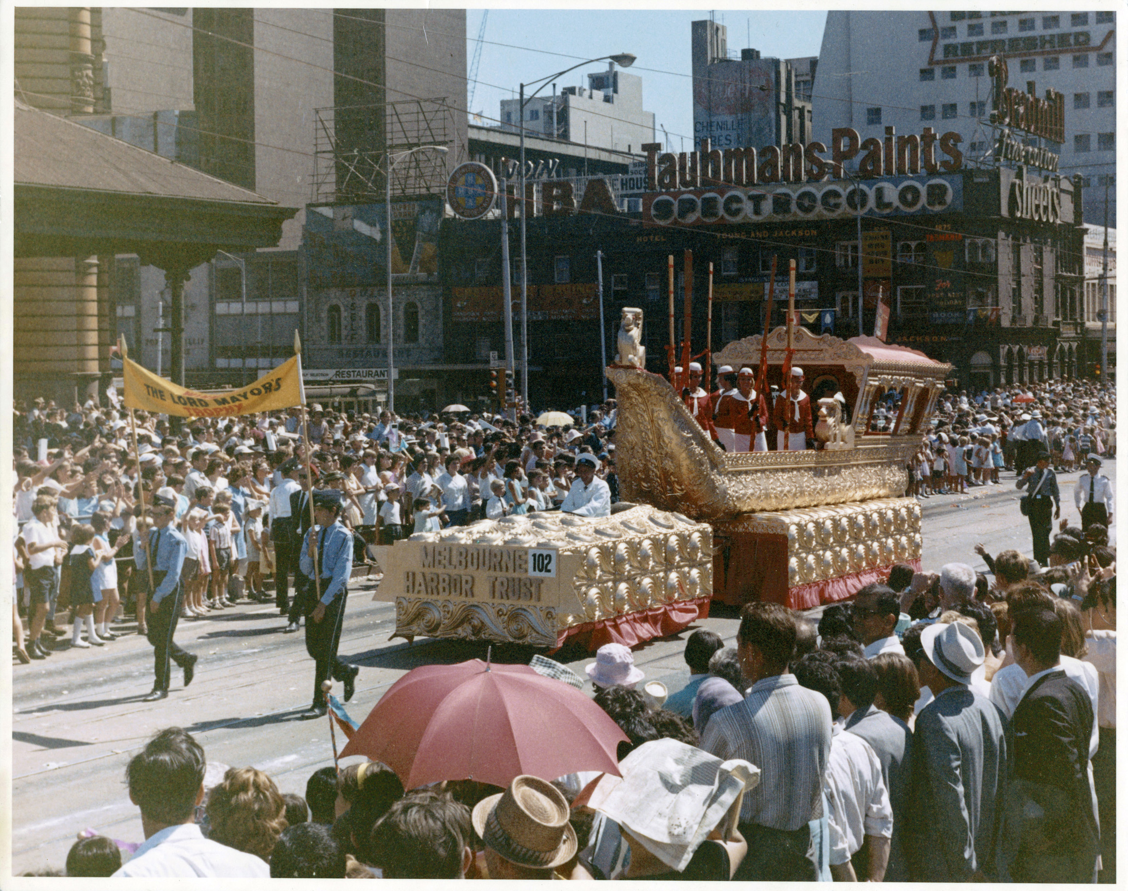 photo of gold Melbourne Harbour Trust float