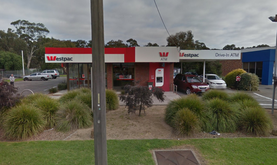 photo of Westpac drive in ATM