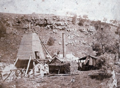 Cleft in the Rock Gold Mining Company, Springdallah. Source: H2019, Solomon & Bardwell Collection