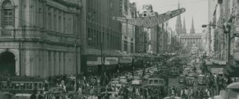black and white photo of crowds at Moomba